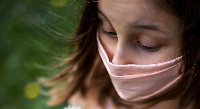 Mascherine di stoffa proteggono