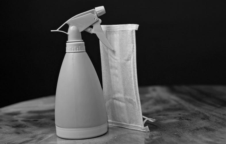 Spray disinfettante per mascherine: come sceglierlo.