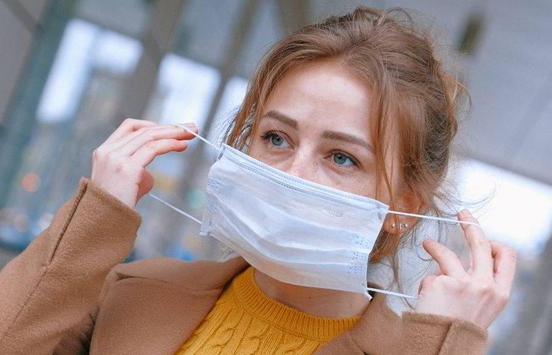 come protegge la mascherina chirurgica